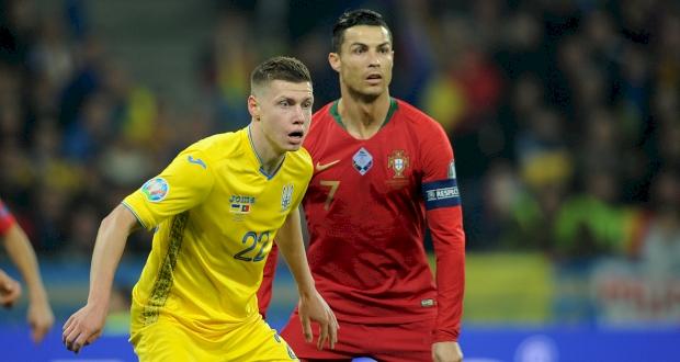 Роналду в матче против Украины, фото ФК Шахтер